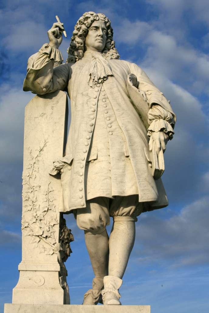 Statue de La Bruyère due à Gabriel Jules Thomas (fin XIXe siècle), àChantilly (Oise).
