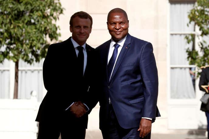 Les présidents Emmanuel Macron (France) et Faustin-Archange Touadéra (Centrafrique) au palais de l'Elysée, à Paris, le 5septembre 2019.