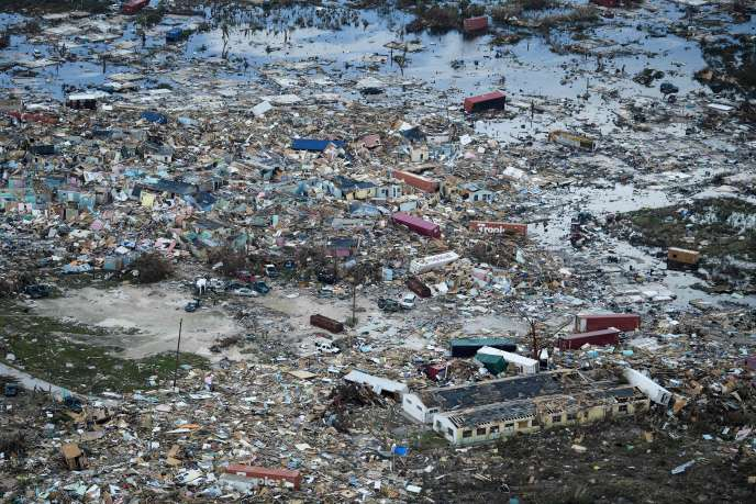 Vue aérienne des dommages causés par l'ouragan Dorian à Marsh Harbour, la principale ville de l'île de GrandAbaco, aux Bahamas, le 5septembre2019.