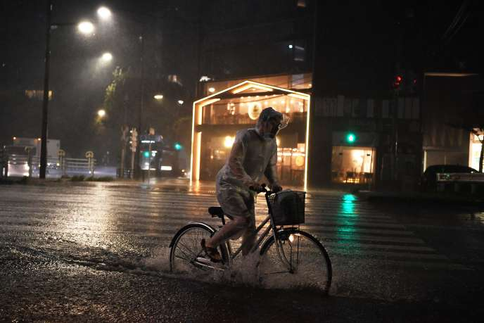 Le Typhon Faxai a touché Tokyo lundi 9 septembre au matin, provoquant de fortes pluies.