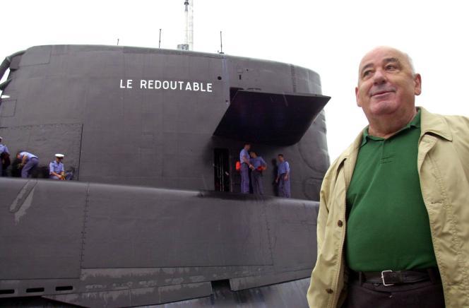 Bernard Louzeau, le 4 juillet 2000, au port de Cherbourg (Manche) .