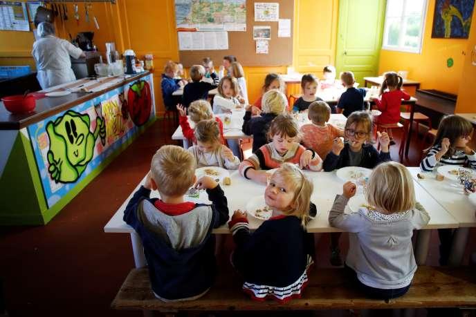 Dans une cantine scolaire àCourtonne-la-Meurdrac (Calvados), en septembre 2018.