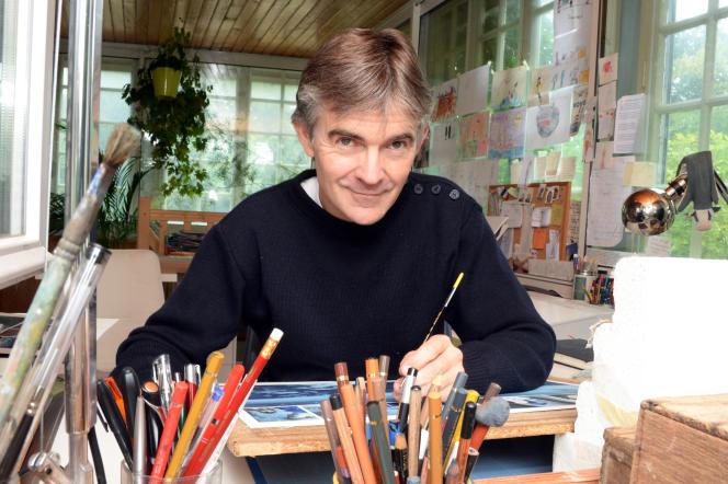 Le créateur de bandes dessinées Emmanuel Lepage, dans son atelier à Plourhan (Côtes-d'Armor), en septembre 2013.
