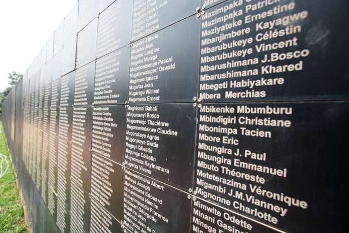 Les noms de victimes du génocides, au Mémorial de Kigali, au Rwanda.
