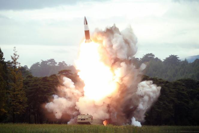 Depuis juillet, Pyongyang a multiplié des tirs de missiles de courte portée (ici le16août), qualifiés de « provocations » par des responsables américains – même si Donald Trump s'est montré nettement plus conciliant.