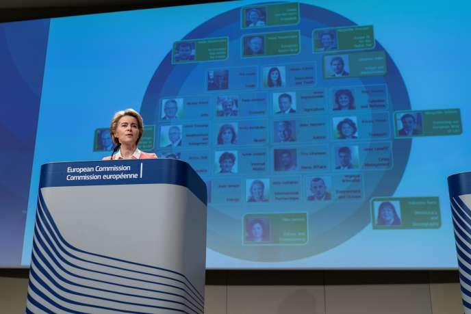 La présidente de la Commission européenne, Ursula von der Leyen, annonce la liste des nouveaux commissaires, le 10 septembre à Bruxelles.