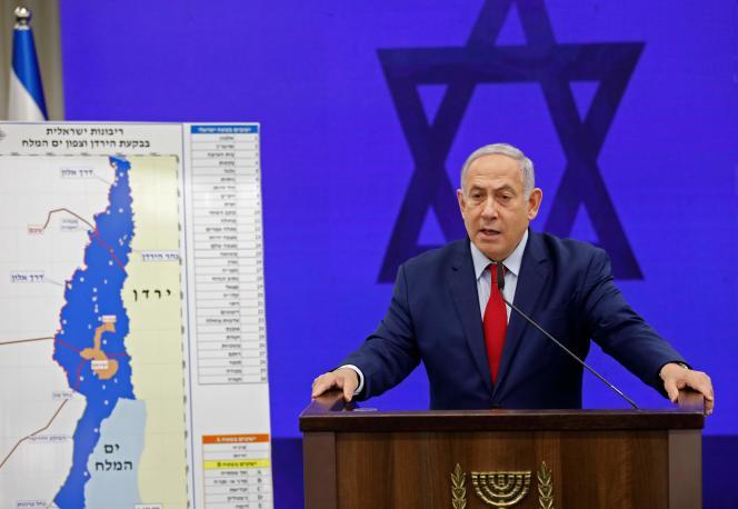 Benjamin Nétanyahou expose son projet d'annexer la vallée du Jourdain, à Ramat Gan, près de Tel Aviv, le 10 septembre.