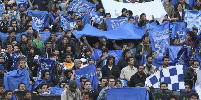 Une jeune Iranienne, arrêtée parce qu'elle voulait assister à un match de football, s'est immolée par le feu