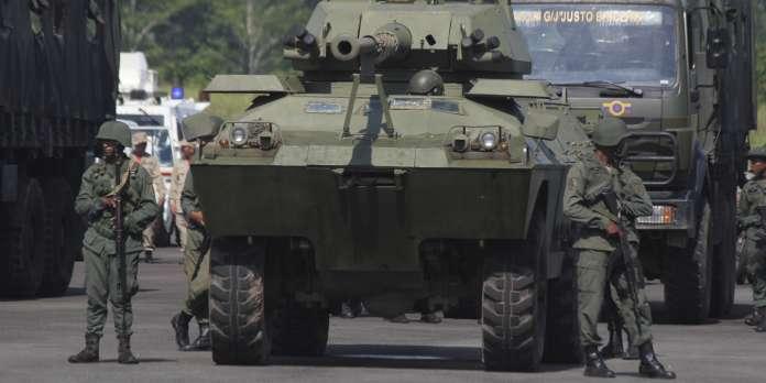 Manœuvres militaires du Venezuela à la frontière avec la Colombie