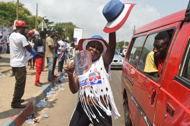 Une partisane de Nana Akufo-Addo lors de son élection à la présidence de la République ghanéenne, le 9 décembre 2016.