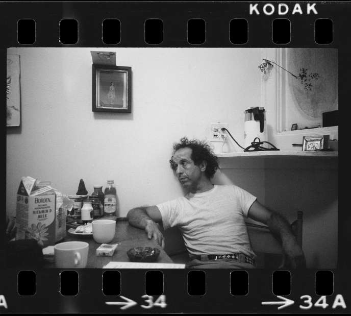 Robert Frank chez lui à New York, en 1969.