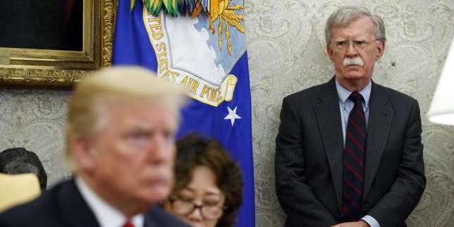 Donald Trump se donne les coudées franches en limogeant John Bolton