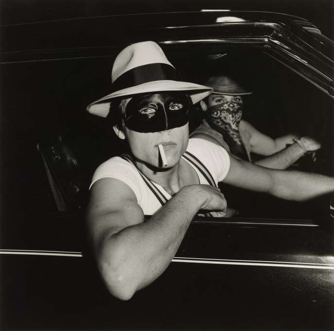 «Boys in Car, Halloween» (1978), de Peter Hujar.