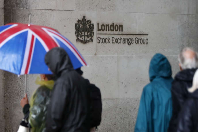 Devant la Bourse de Londres, le London Stock Exchange, en 2017.