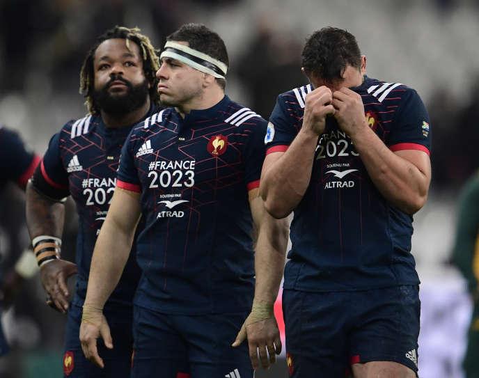 Mathieu Bastareaud, Guilhem Guirado et Louis Picamoles, après la défaite du XV de France contre les Springboks sud-africains, au Stade de France, à Saint-Denis, le 18novembre 2017.