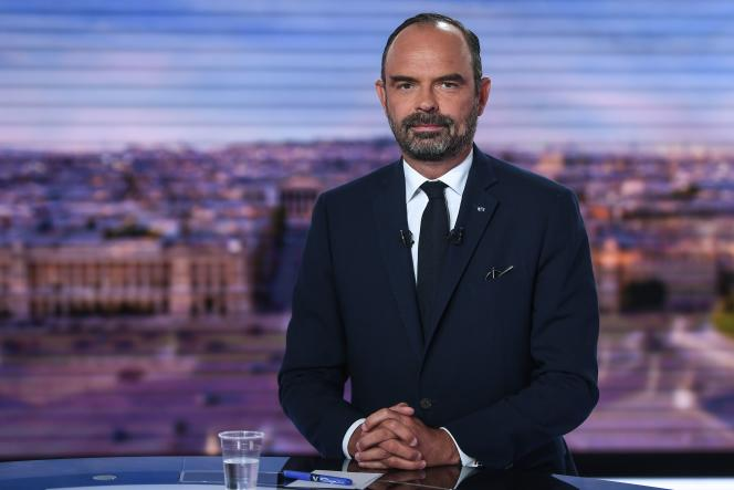 Le premier ministre, Edouard Philippe, sur le plateau du journal de TF1,à Boulogne-Billancourt le 12 septembre.