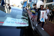 Des chauffeurs d'Uber manifestent devant le le siège social de la plate-forme à San Francisco, en Californie, le 27 août 2019.