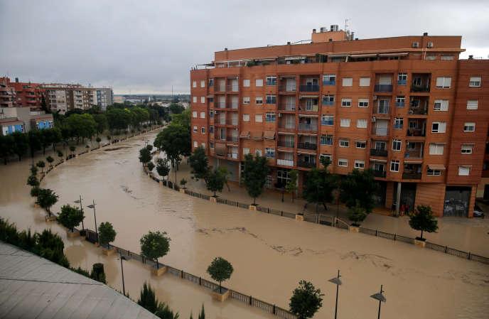 La rivière Segura a débordé à Orihuela, près de Murcie, en Espagne, le 13 septembre.