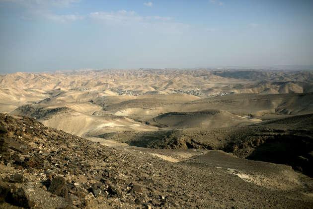 Une vue de la ville d'Arad depuis l'observatoire de Moav, dans le grand sud d'Israël, le 8 septembre.