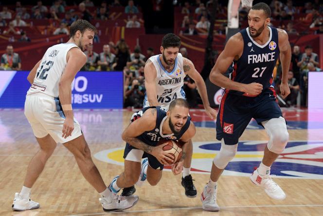 Empêtrée dans la défense argentine, l'équipe de France d'Evan Fournier et Rudy Gobert n'a pas existé en demi-finales du Mondial.