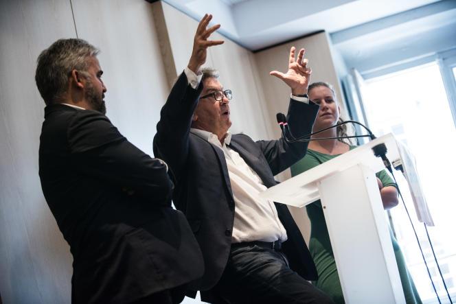 Jean-Luc Mélenchon lors d'une conférence de presse à la Maison de l'Amérique latine, à Paris, le 19 septembre.
