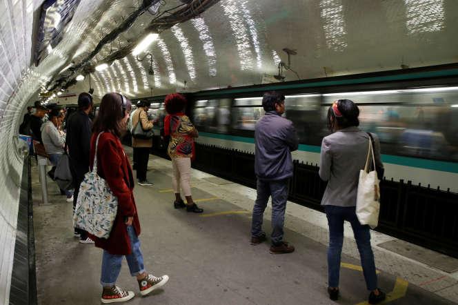 En raison du freinage des rames, les quais du métro et du RER de Paris concentrent les plus forts taux de particules ultrafines.