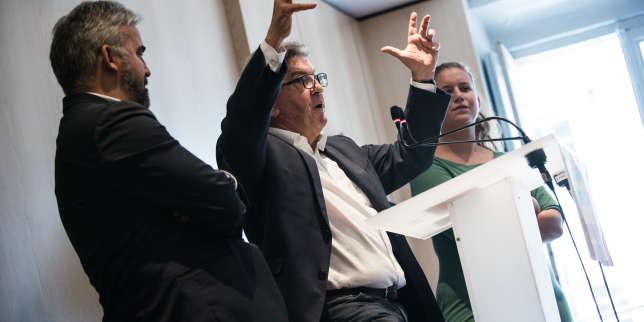 Perquisition mouvementée: à une semaine du procès, Mélenchon choisit la stratégie de l'affrontement
