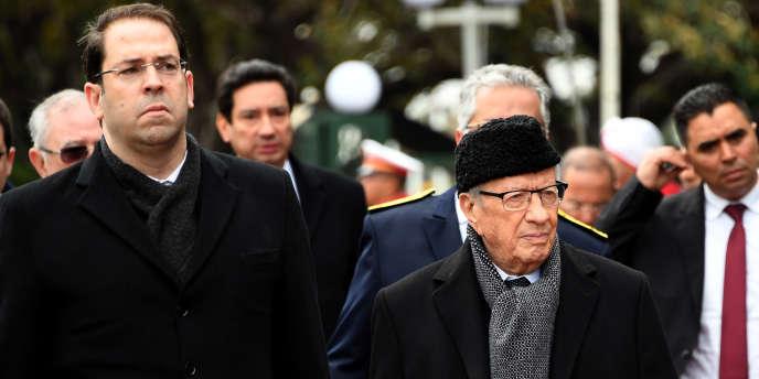 De 2016 à 2019, Youssef Chahed, premier ministre, et Béji Caïd Essebsi, président, ont incarné les difficultés d'équilibrer les pouvoirs au sein de l'exécutif tunisien tel que le prévoit la Constitution de 2014.