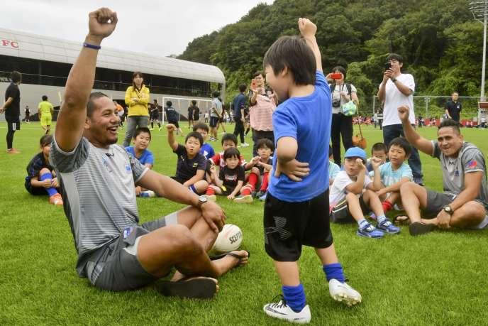 L'équipe de rugby des Samoa lors d'un événement organisé à Iwaki (préfecture de Fukushima), samedi 14 septembre 2019.