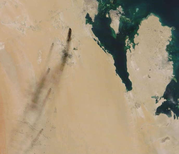 Image satellite des deux installations pétrolières d'Aramco attaquées par des drones, en Arabie saoudite, le 14 septembre.