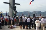 Les familles des disparus de la« Minerve» devant le mémorial des sous-mariniers de Toulon, le 14 septembre.