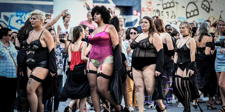 Un défilé de mannequins atypiques à Paris pour promouvoir le mouvement «body positive»