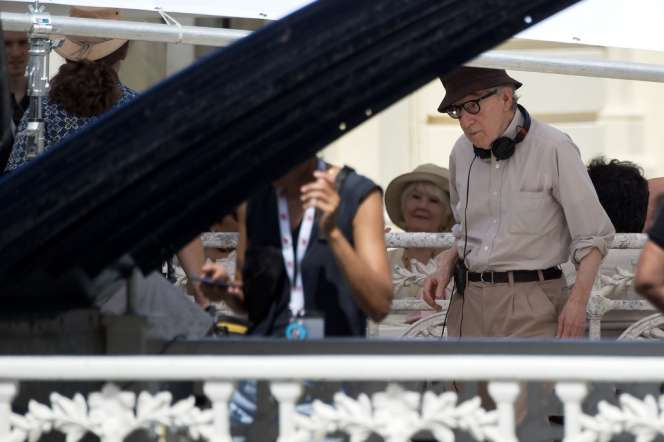Le cinéaste Woody Allen sur le tournage de son nouveau film «Rifkin's Festival» àSaint-Sébastien (Espagne), le 23 juillet.