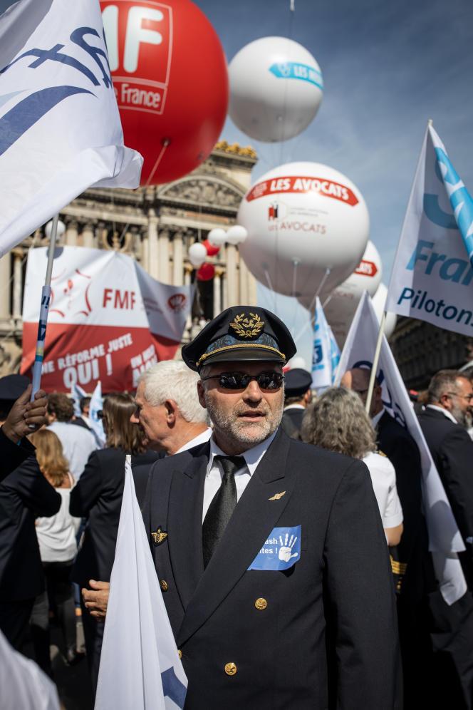 Dans toutes les bouches, la même inquiétude : celle de«donner la gestion de notre caisse de retraite à un Etat qui n'a jamais su gérer le financement des retraites», explique Grégoire Aplincourt, président du syndicat des pilotes d'Air France.