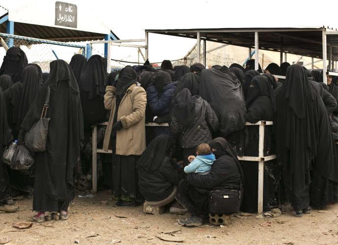 Des femmes djihadistes dans le camp de Al-Hol, sous contrôle kurde, en mars 2019.