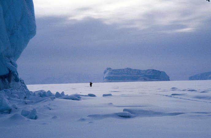 Un chasseur au Groenland, l'hiver.