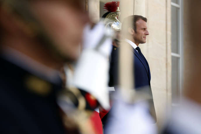 Emmanuel Macron is waiting for the President of the Republic of Congo, Denis Sassou Nguesso, at the Elysée, in Paris, on September 3rd.