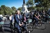 Municipales à Paris: Griveaux et Villani au coude-à-coude dans un premier sondage, Hidalgo en tête
