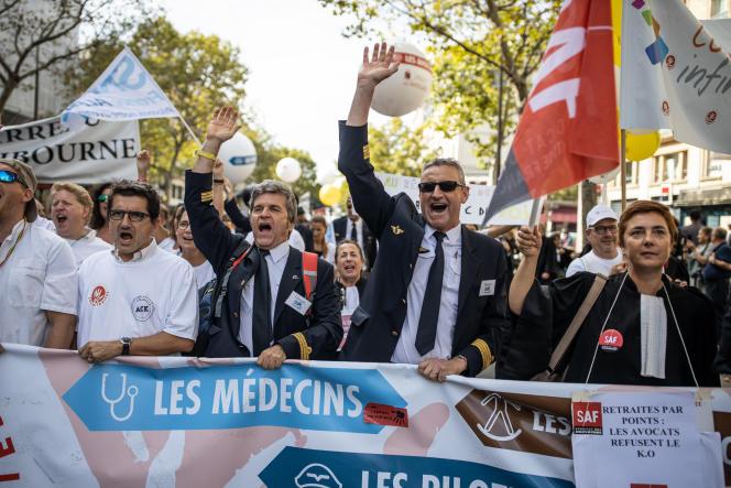 Yves Deshayes, président du Syndicat national des pilotes de lignes (SNPL),à la manifestation contre la réforme des retraites à Paris, le 16septembre.