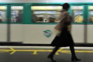 A Paris, dans le métro, le 28 octobre 2010.