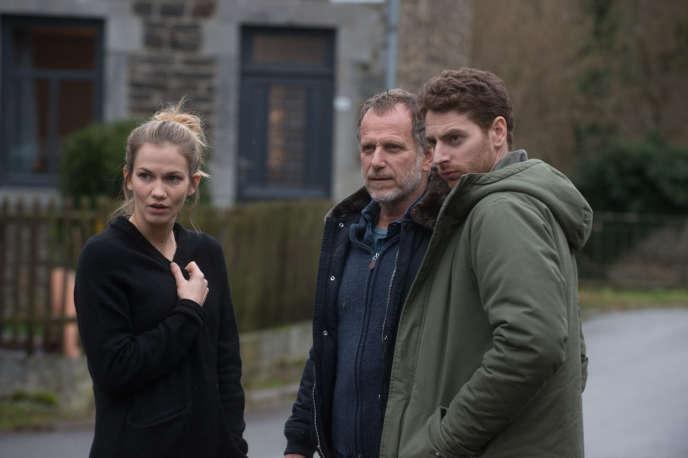 Margot Bancilhon, Charles Berling et Pablo Pauly dans«Trois jours et une vie», deNicolas Boukhrief, d'après Pierre Lemaître.