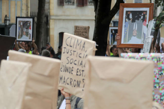Rassemblement contre le gouvernement Macron à l'occasion du sommet du G7 à Bayonne (Pyrénées-Atlantiques), le 25 août.