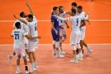 Les joueurs français célèbrent leur victoire, lundi 16 septembre au soir, à Montpellier.