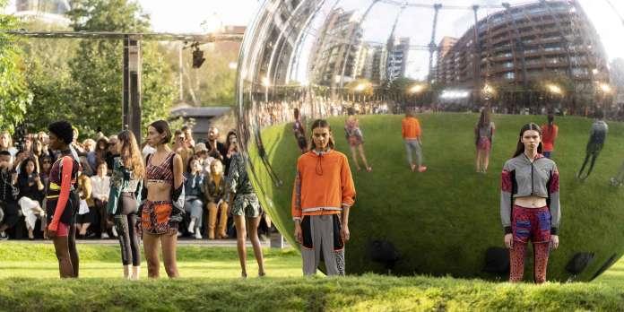 A Londres, la Fashion Week s'ouvre aux « vraies gens »