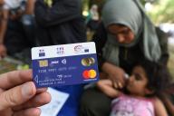 La carte de paiement ADA délivrée aux demandeurs d'asile par l'Office français de l'immigration et de l'intégration.