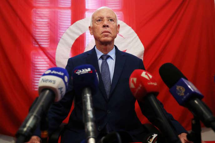 En Tunisie, Kaïs Saïed assoit son autorité face à un Parlement divisé