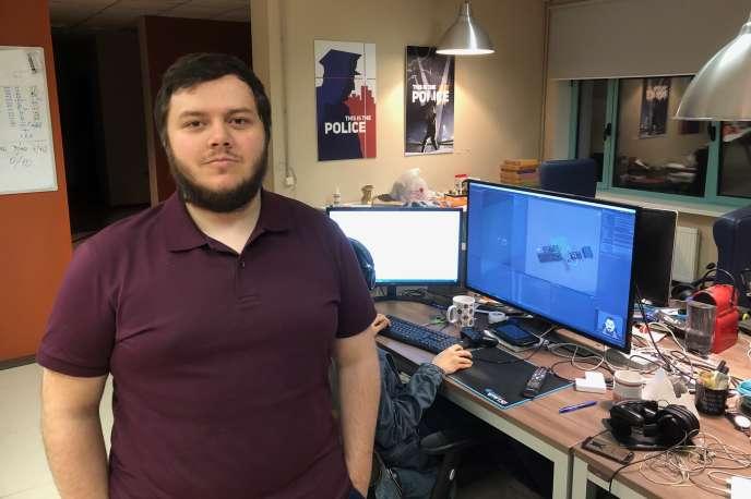 Ilya Yanovich dans son studio, Weappy, situé dans la capitale biélorusse, Minsk.