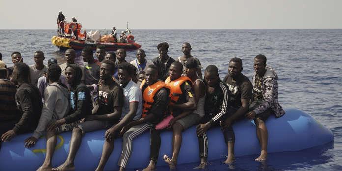 Une centaine de migrants sauvés par l'« Ocean-Viking »