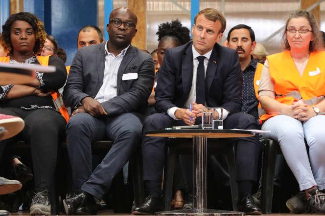 Emmanuel Macron lors d'une rencontre aux Ateliers Sans Frontieres