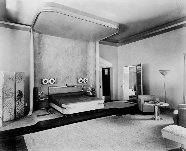 La chambre de la maharani, conçue par l'architecte Eckart Muthesius, vers 1933.